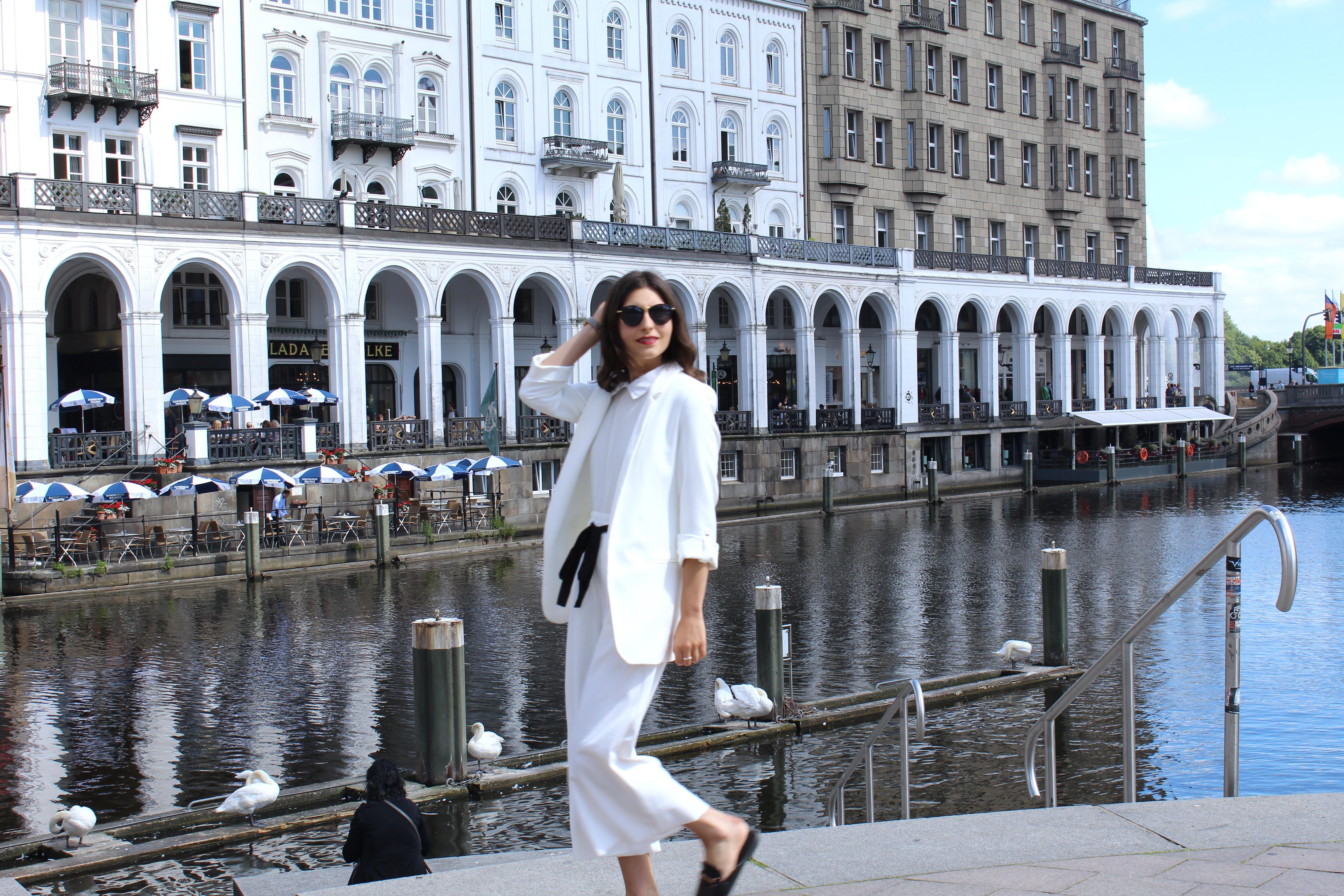zara city look white culottes white blazer mules mrs stylena. Black Bedroom Furniture Sets. Home Design Ideas